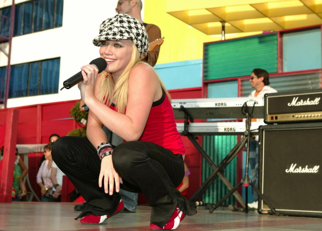 Hilary Duff, Hilary Duff picture, Hilary Duff wallpapers, 바탕화면, 힐러리 더프 고화질 사진, 힐러리 더프 사진, 힐러리더프, 힐러리더프 고화질, 힐러리더프 바탕화면, 힐러리더프 보기, 힐러리더프 사진, 야한 사진, 섹시한 사진