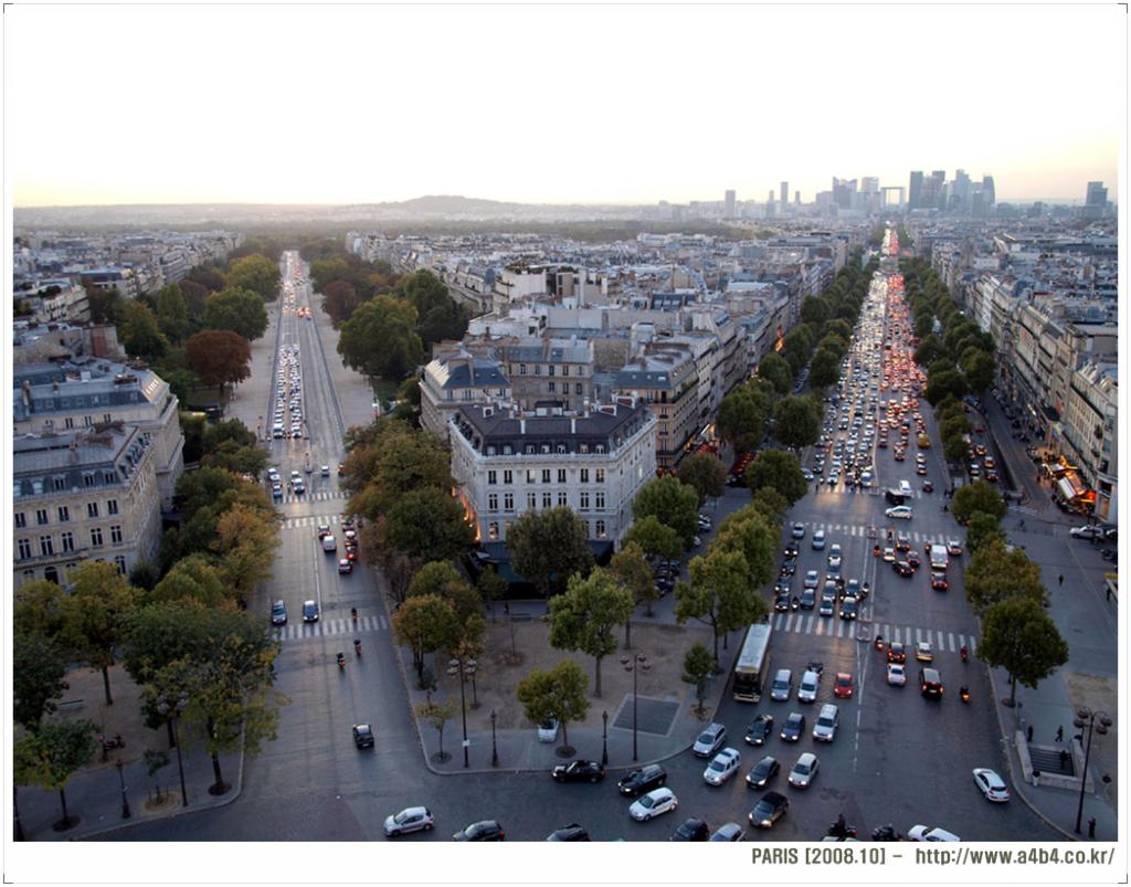 [파리] 개선문 (Arc de Triomphe) 전망대, 샹젤리제 거리 (Avenue Champs Elysées), 루이 뷔통 (Louis Vuitton)
