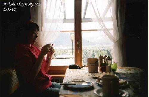 [LOMO] breakfast