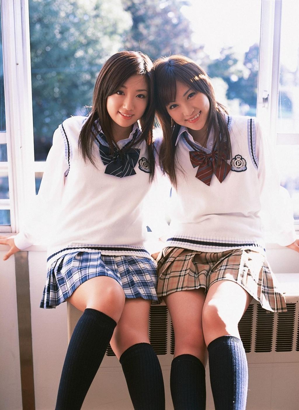 Японки девушки в метро 20 фотография