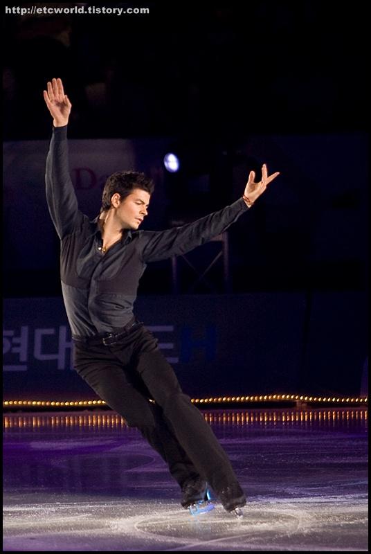 '현대카드슈퍼매치 Ⅶ - '08 Superstars on Ice' 2부에서 연기를 펼치는 스테판 랑비엘 (Stephane Lambiel)