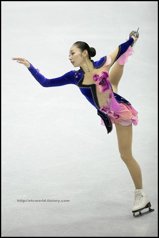 2008/2009 SBS ISU 고양피겨스케이팅 그랑프리 파이널 시니어 여자 싱글 쇼트 프로그램 연기를 펼치는 일본의 Miki ANDO (안도 미키)