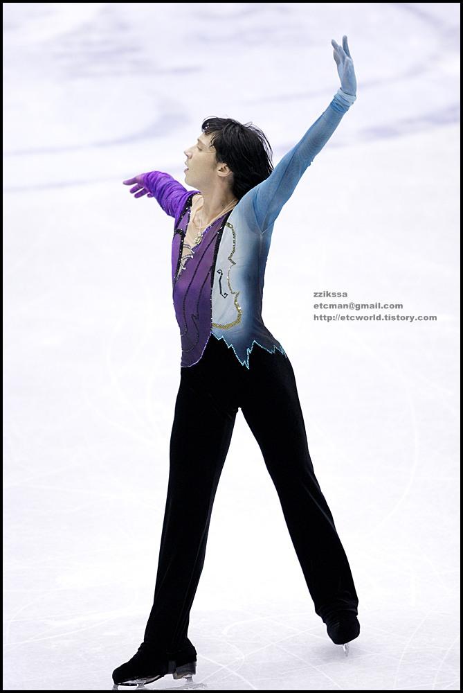 SBS ISU Grand Prix of Figure Skating Final Goyang Korea 2008/2009 2008/2009 SBS ISU 고양 피겨스케이팅 그랑프리 파이널 대회 Senior Men - Short Program Johnny WEIR