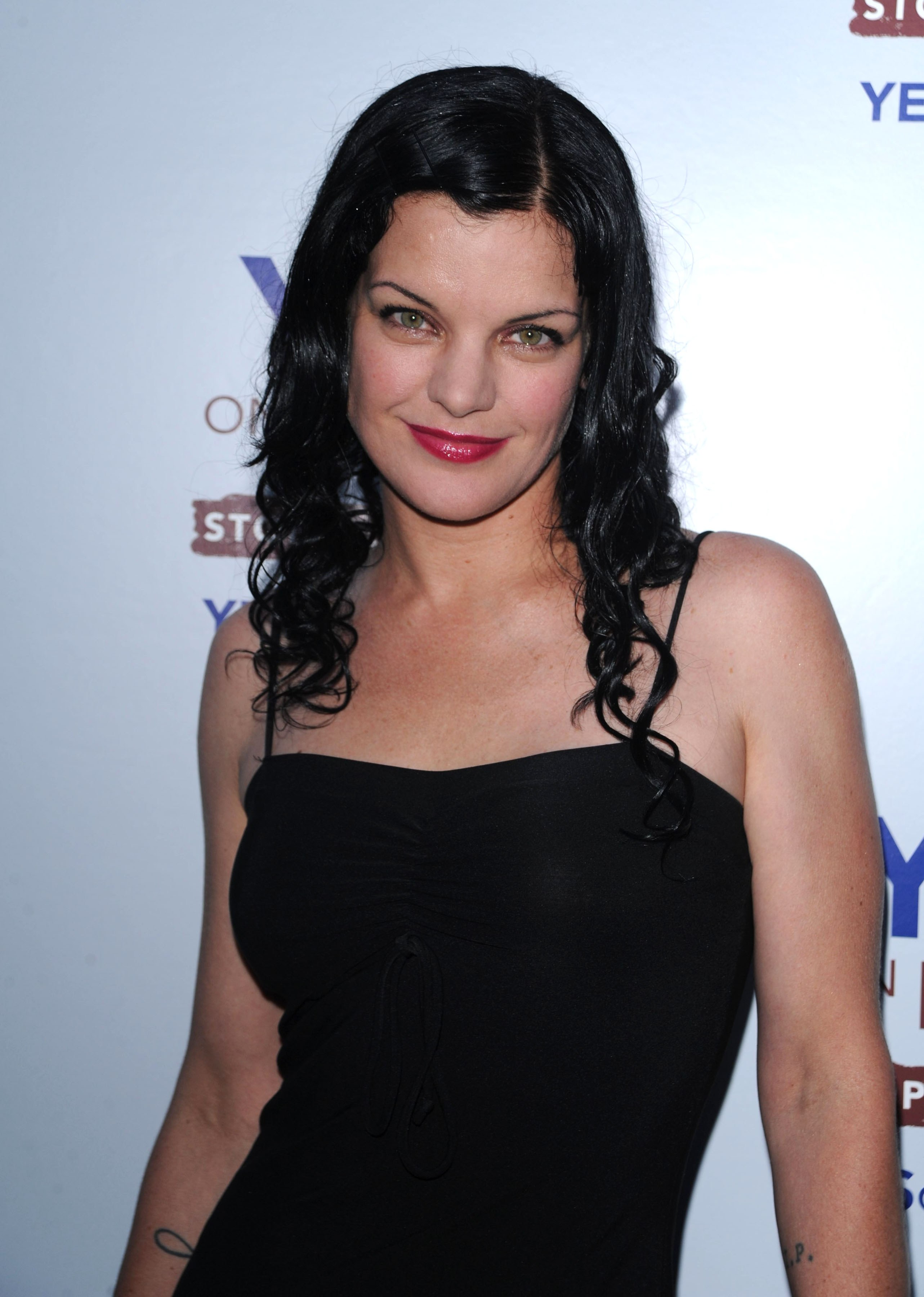 Pageys NCIS Blog :: Pauley Perrette on Prop 2 Party 08.9.28.